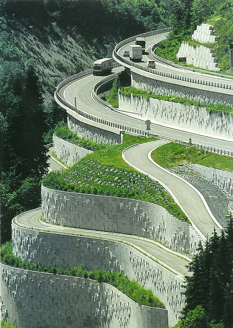 Reinforced Earth® Motorway Retaining Walls