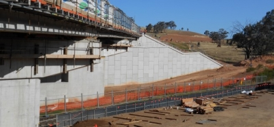 Kapooka Bridge Reinforced Earth® bridge abutment walls